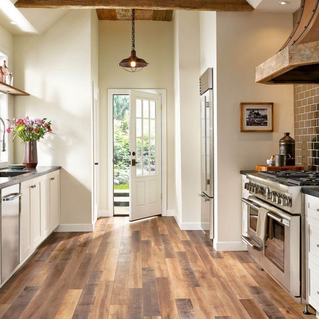 Wood-look laminate flooring in Houston, TX